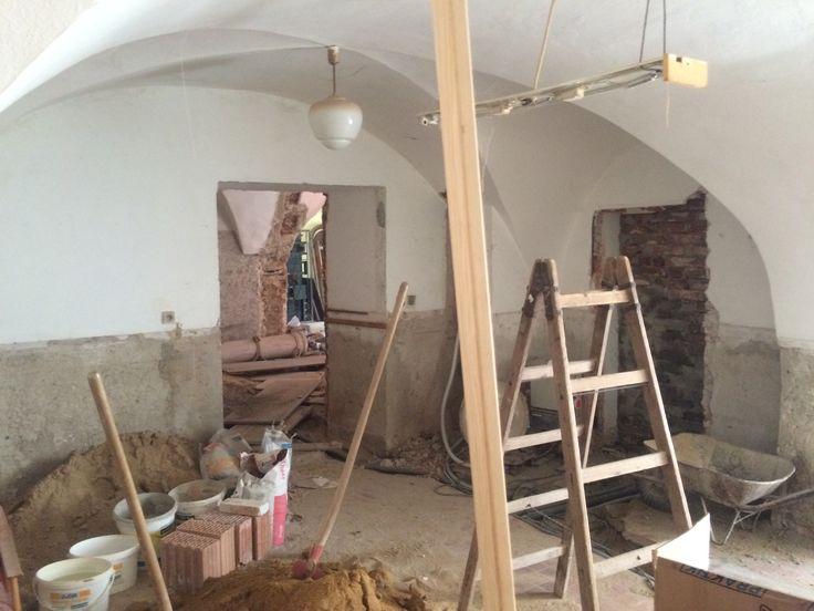 Rekonstrukce vinného baru a bistra Thir v Táboře. #thirwinebar http://thir.cz/