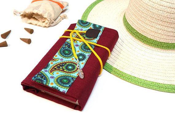 Protège livre ajustable lin bordeaux tissu ethnique  Fait main pour livre de poche, grand livre, agenda, carnet santé, porte chéquier...