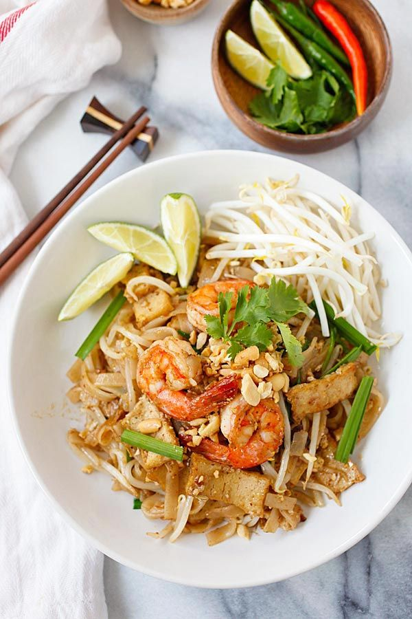 Shrimp Pad Thai – easiest and best Pad Thai recipe with shrimp. This homemade Thai fried noodle is better and healthier than takeout | rasamalaysia.com
