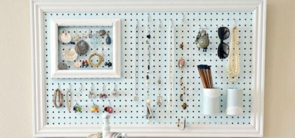 20 Idei creative pentru o depozitare eficienta in casa Daca doriti sa fiti gospodine desavarsite, vedem in urmatorul articol cateva idei pentru o depozitare eficienta si de durata. http://ideipentrucasa.ro/20-idei-creative-pentru-o-depozitare-eficienta-casa/