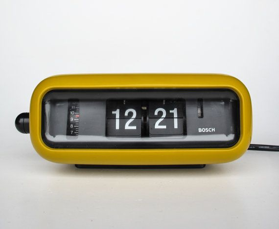 vintage flip clock alarm clock bosch udw2 retro orange yellow table clock 70 39 s germany. Black Bedroom Furniture Sets. Home Design Ideas