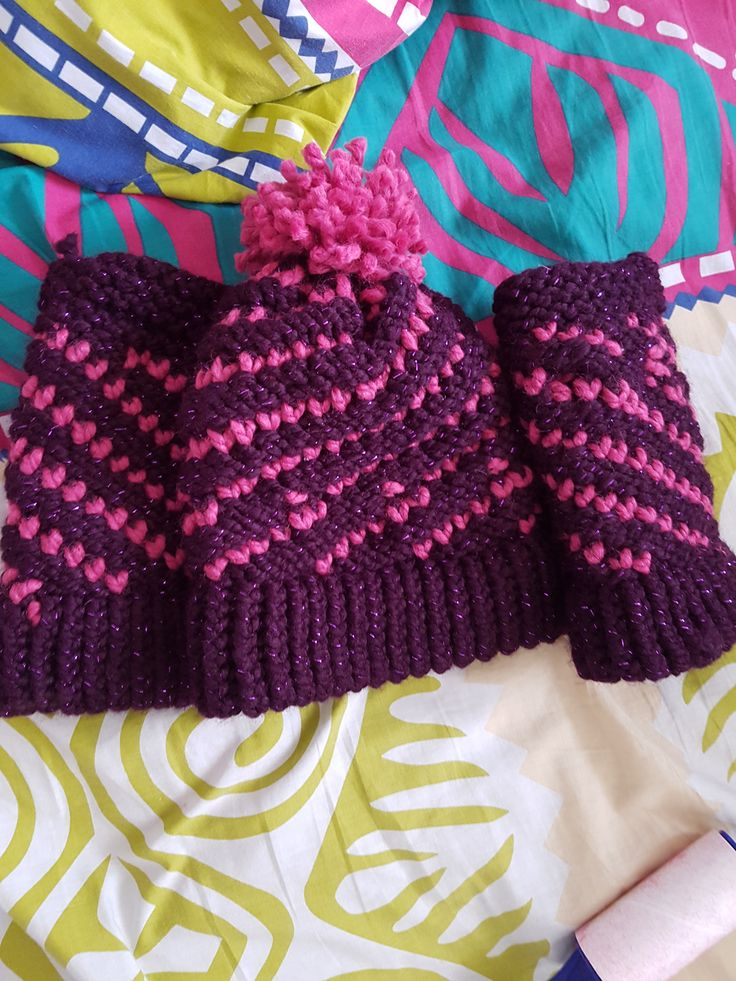 Loomed tiny heart spiral hat by Cindy