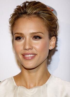 Jessica Alba 2009 African First Ladies' Health Summit - Jessica Alba Red Carpet Hairstyles Through the Years