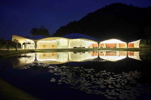 MEISO NO MORI MUNICIPAL FUNERAL HALL by LIGHT MANIA, via Flickr