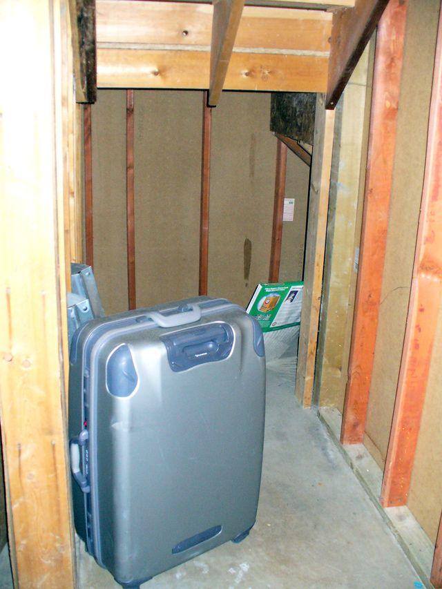 25 best ideas about tornado safe room on pinterest for Built in safe room