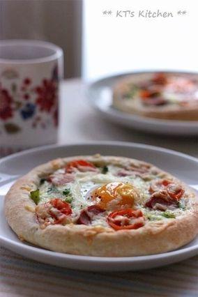朝食に☆焼き卵とブロッコリーの惣菜ピザ|レシピブログ