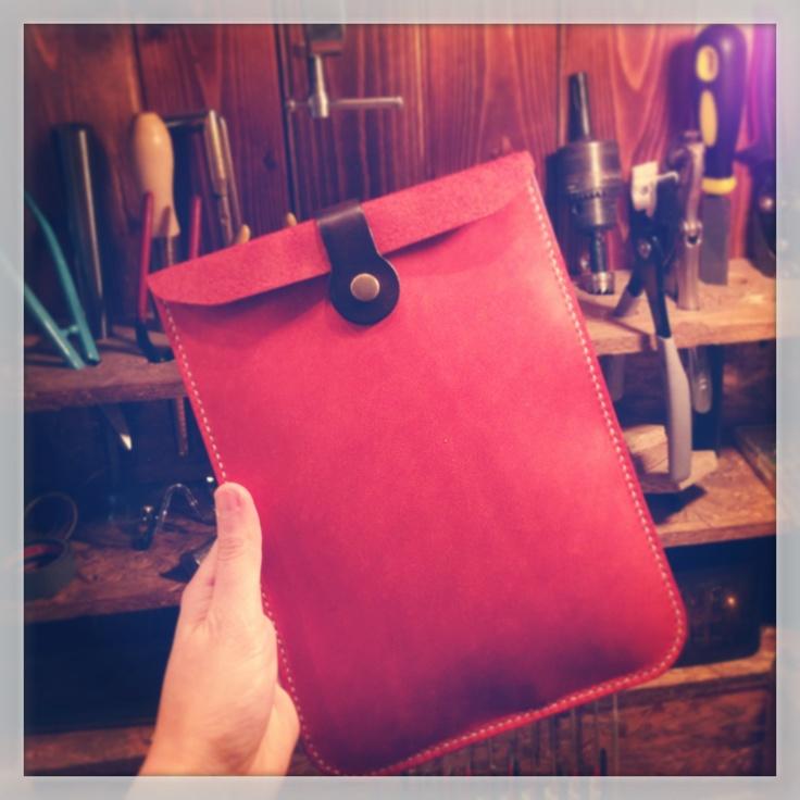 iPad mini case to Fukuoka, ぐるぐる、ぐるぐるしてイヤーホンを大切に収納‼^_^