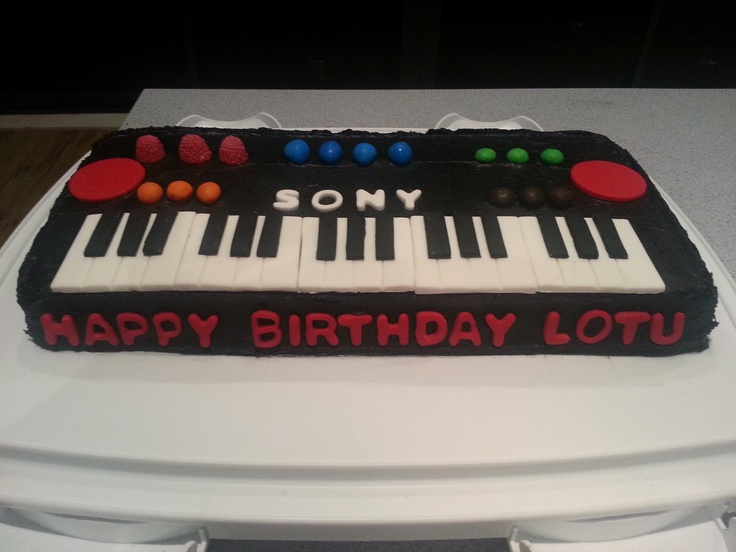 Keyboard Cake Birthday Cake For Boy Pinterest