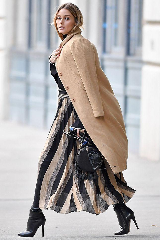Оливия Палермо в пальто Related, ботильонах Jimmy Choo и с сумкой Rebecca Minkoff в Нью-Йорке