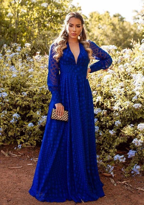 50 vestidos longos com estampa de poás para madrinhas e convidadas de casamento | Vestido de festa azul royal, Vestidos longos azuis, Vestido azul e branco