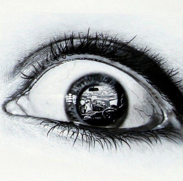 Photorealistic Paintings of Eyes