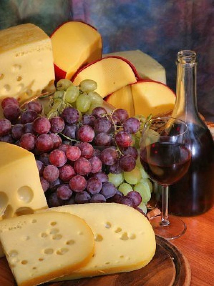 Nothing better than a good cheese and grapes