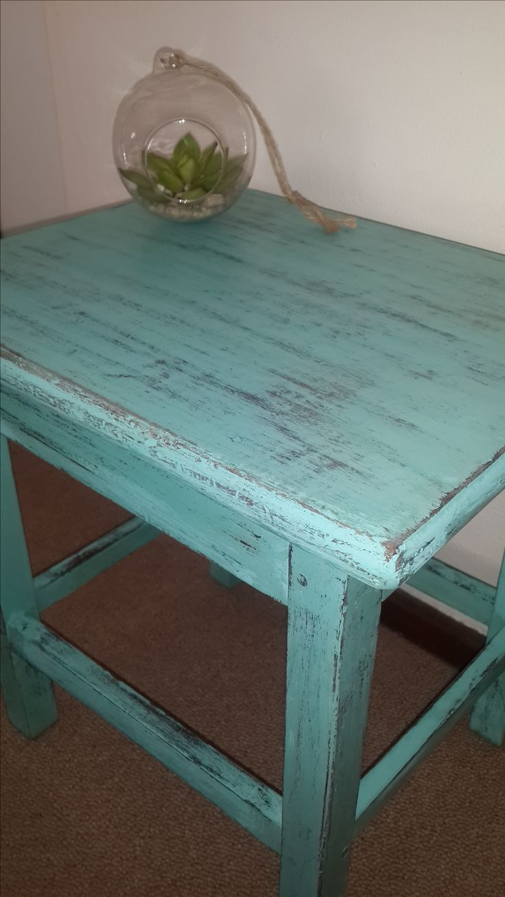 Distressed Side Table #TropicalCocktail