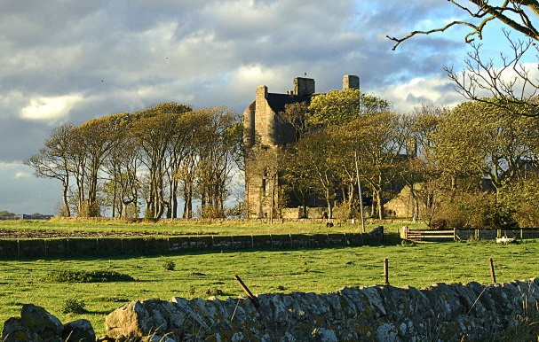 Balcomie castle in clackmannanshire in scotland is haunted for Stay in a haunted castle in scotland