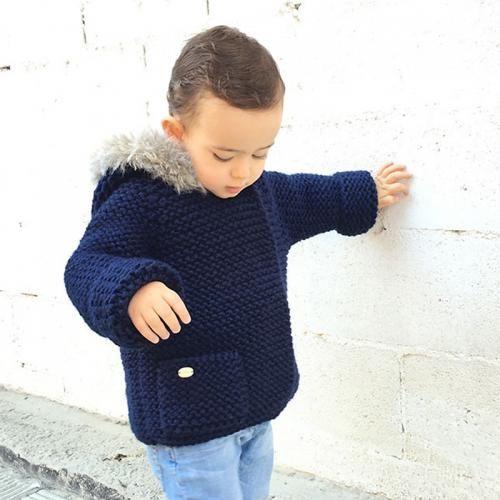 Пальто для ребенка платочным узором