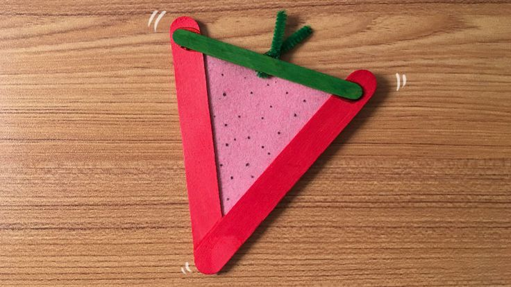 Explore the alphabet with our A to Z Crafts! S is for Strawberry and is perfect for teaching little learners about the alphabet and letter recognition.