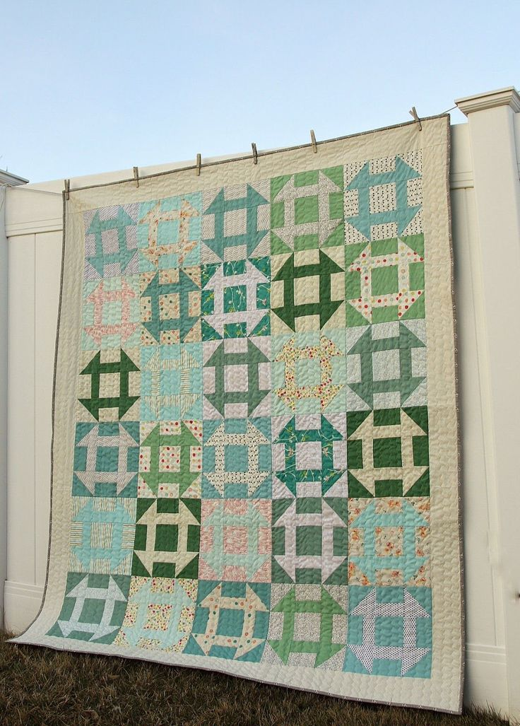 Free Churn Dash Quilt -along. Make a traditional Churn Dash quilt pattern - quick tips and no-fabric waste - from start to finish.