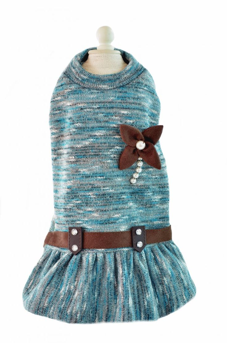 Hermoso vestido para perro, Modelo Rivoli, ideal para otoño invierno.  www.toutmignon.net