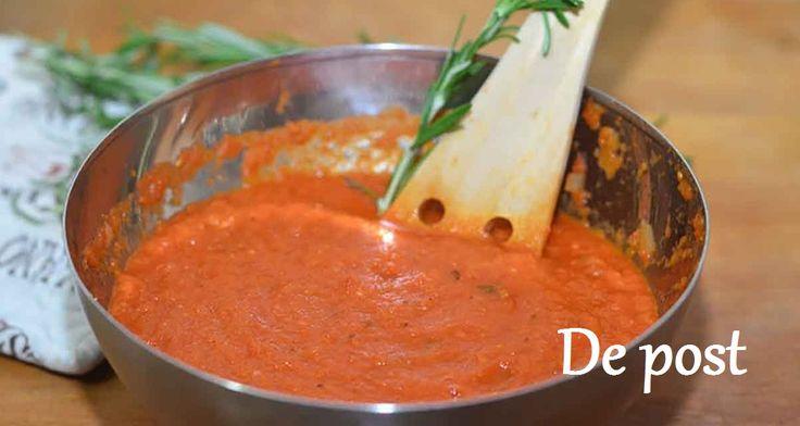 Sosul de roșii este unul universal. Acesta este perfect pentru paste, hrișcă, cartofi și, desigur, carne. Sosul picant și aromat de roșii se prepară doar din roșii foarte coapte și suculente. Pentru prepararea acestui minunat sos puteți folosi diferite ierburi aromate, cum ar fi: cimbru, busuioc și frunză de dafin. De asemenea, puteți adăuga condimente …