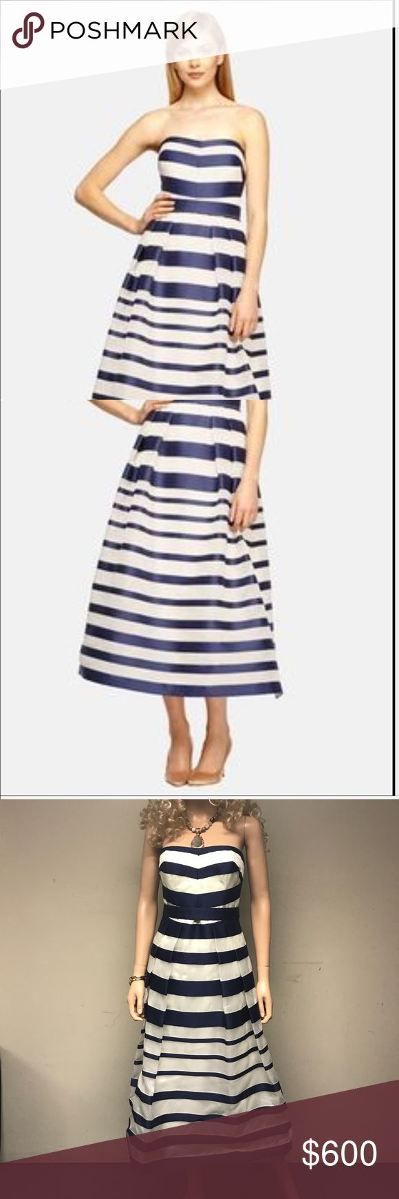 KAY UNGER STRIPE SILK ORGANZA STRAPLESS MIDI DRESS SOFT JERSEY/ASYMMETICAL STRAPLESS WORN ONCE IN ONE OF MY FRIENDS WEDDING BOUGHT IN NEW YORK FOR $800 STRIPE NAVY BLUE SIZE 8 Kay Unger Dresses Midi