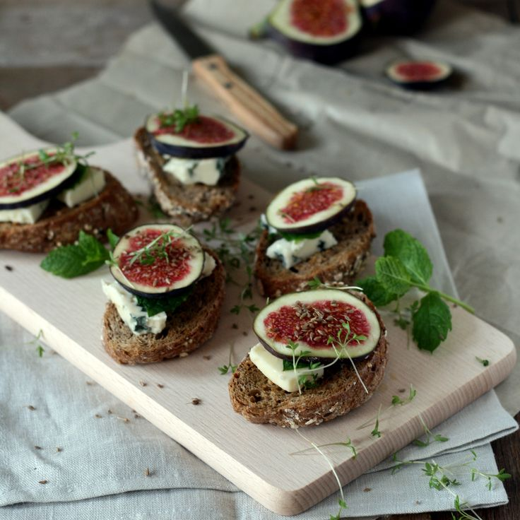 bruschetta met vijgen, verse geitenkaas en munt | Yellow Lemon Tree blog for Dille & Kamille