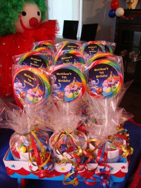 Favors from a Circus Party #circus #partyfavors the labels on these are ugly…