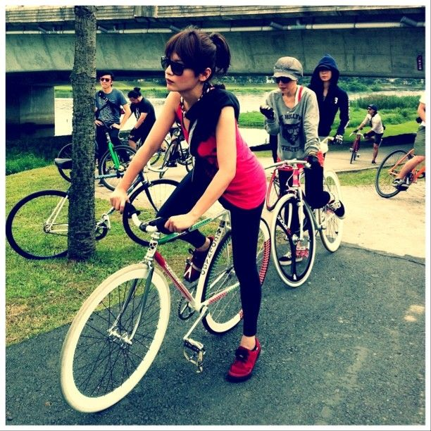 Best 25 Girls On Bicycles Ideas On Pinterest Cycle Chain Tee