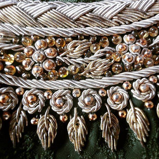 Zardozi Details! South Adian Bridal Couture Inspiration @finessejewels    #usa #embroiderylove #couture #zardozi #bridalinspo #glam  #gold #bridalcouture #moda #punjabibride #desidress #weddingseason #broderie #vintage #goldembroidery #art #pakistani #pakistanidresses #indiandresses #persianembroidery #goldwork #silverthread #oldworldcharm #handmade #textiles #donebyhand #vintage #heritage #bridestyle #desibride
