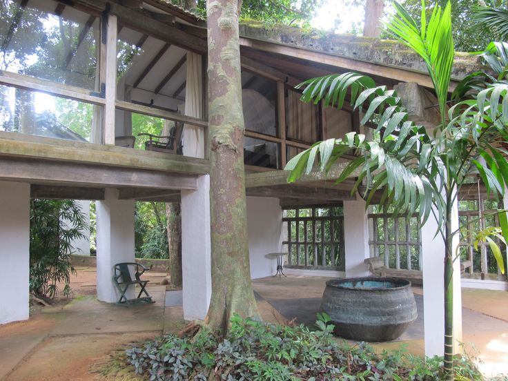 an architect of sri lanka geoffrey Geoffrey manning bawa friba, (july 23, 1919 – may 27, 2003) was sri lanka's most prominent architects and one of the original proponents of tropical modernism.