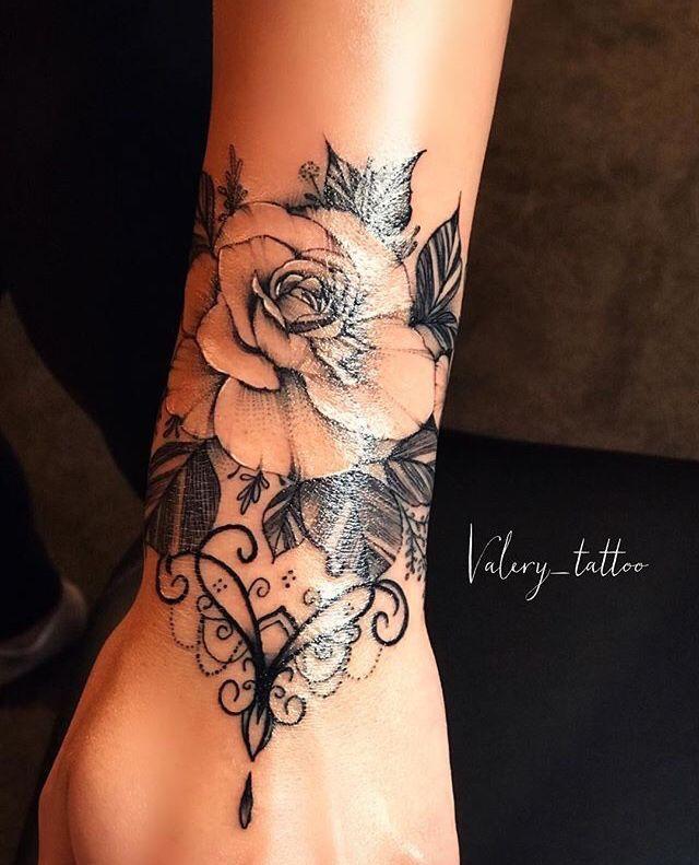 Weibliches Tattoo # Traçosfinos #Tattoo – Artist #tattoos