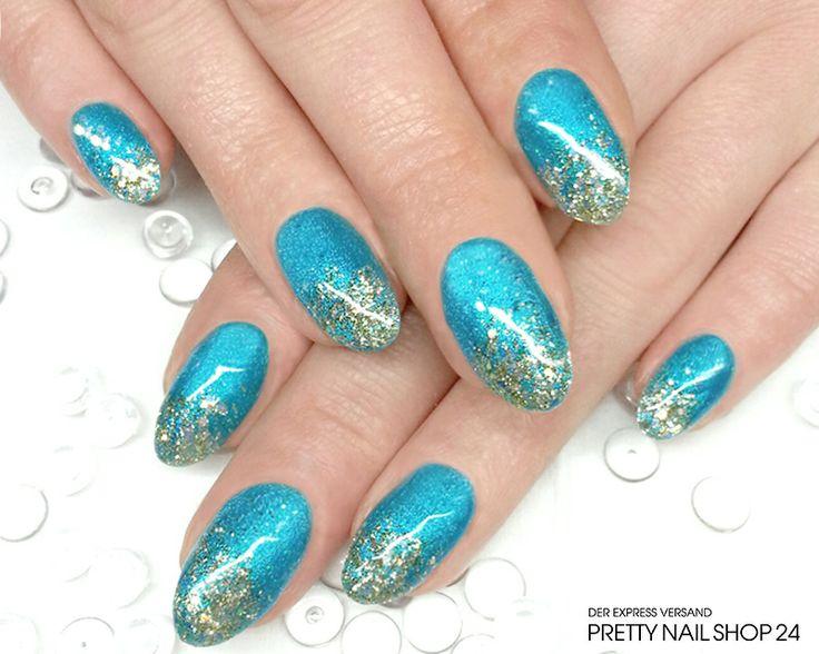 #trendstyle #nailart #petrol #gold #nails Diese Variante besticht mit ihrer schlichten Einfachheit. Durch die angesagte Farbkombination wirkt das Design apart und edel. Noch mehr Beispiele für den Modetrend Petrol-Gold findet Ihr übrigens hier: http://www.prettynailshop24.de/shop/trendstyle/2014/mai/trend-petrolgold.html