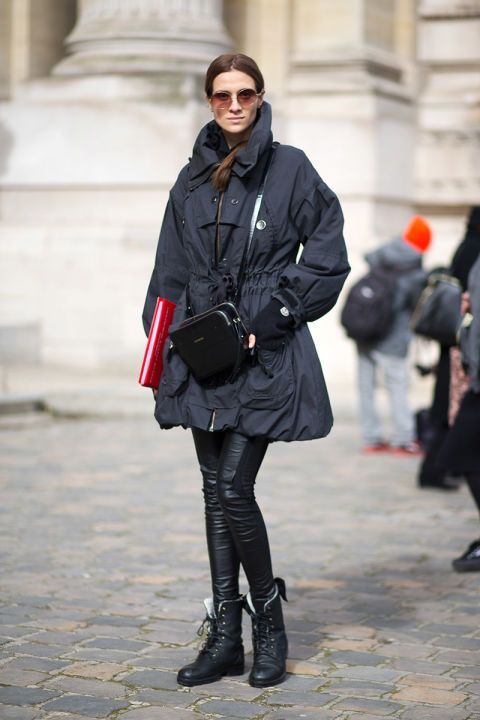 Voluminous coat. Paris