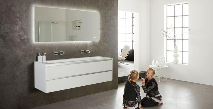 Badkamermeubel wit lak frozen bathroom pinterest frozen - Eigentijdse badkuip ...