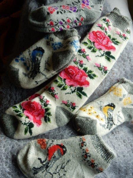TE KOOP: nog enkele wollen(huis)sokken 100% wol.