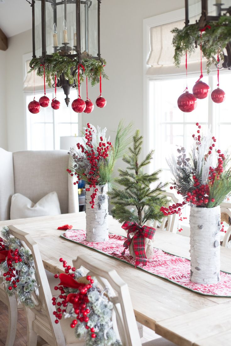 Pink christmas table decorations - Find This Pin And More On Holidays Love This For Christmas Dinner Dining Table Decorations