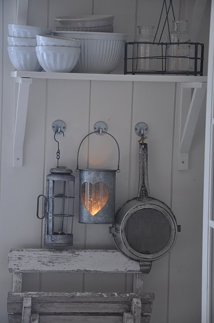 white wood and lantern....yes, please