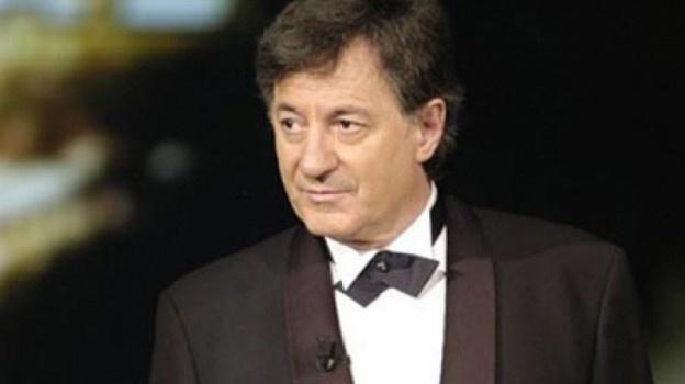 """Maestrul Ion Caramitru a conferențiat la Focșani, în marea sală a Ateneului Popular """"Mr.Gh. Pastia"""". Tema conferinței, """"Limitele așteptării"""", a fost o reluare a discursului din Parlamentul britanic pe care l-a susținut în 1992, actual și astăzi."""