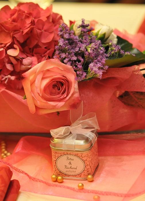 Ružová a zlatá - hortenzia a ruža