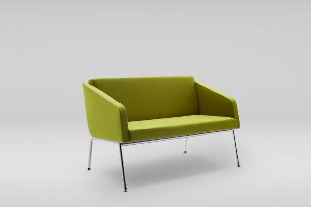 Opcjonalnie sofy FIN wyposażone są w wygodne podłokietniki. Skandynawska prostota kolekcji oraz lekka konstrukcja sklejkowa doskonale dopasowuję się do wnętrza. W zestaw mebli FIN wchodzi :fotel, dwu- oraz trzyosobowa sofa i stolik  #marbetstyle #lobos #fotel #biuro #meblebiurowe #meble #furniture #work #design #couch #wnętrza www.meble.lobos.pl/