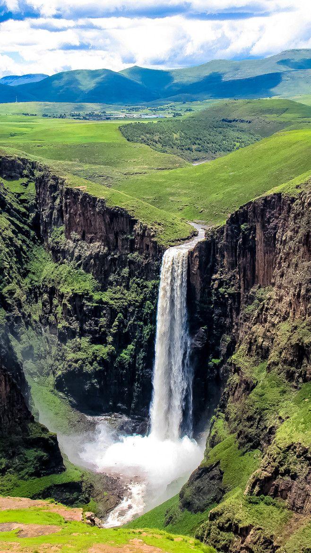 Maletsunyane Falls at Semonkong (Translates to 'The Place of Smoke'), Lesotho. Maletsunyane River is falling over the ledge of Triassic - Jurassic basalt.