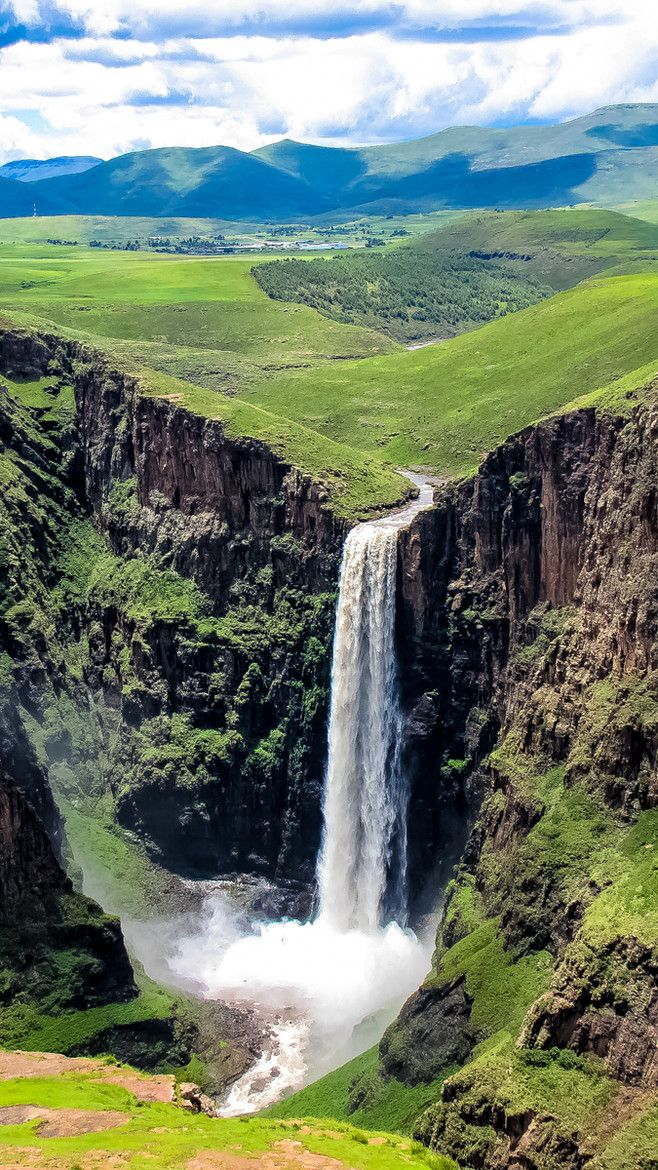 Maletsunyane Falls at Semonkong (Translates to 'The Place of Smoke'), Lesotho. Maletsunyane River is falling over the ledge of Triassic - Jurassic basalt.