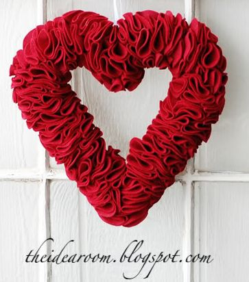Valentines Day Wreath - Do It Yourself - Very Easy Step by Step
