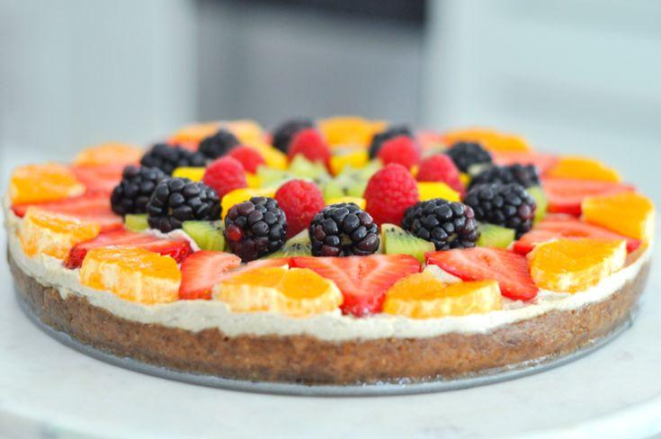 Erin Stanczyk | Lifestyle Design | eat.move.rest. | RAW VEGAN RAINBOW GLOW FRUIT PIZZA: DESSERT UPGRADE 2.0