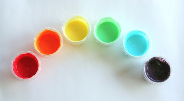 Scented Homemade Edible Fingerpaint from Fun at Home with Kids - coolness, just yogurt and koolaid!