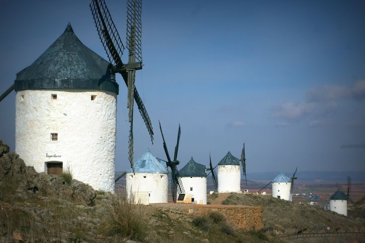 A tan solo 130 Km de Madrid se encuentra este pueblo toledano que conserva uno de los conjuntos de molinos harineros del siglo XVI, más importante.