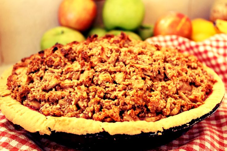 Apple & Raspberry Pie Crumble