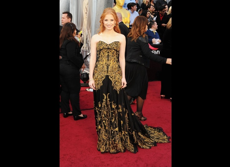 JESSICA CHASTAIN BLACK & GOLD SWEETHEART GOWN WITH EMBROIDERY.......:)Celebrities Dresses, Jessica Chastain, Alexander Mcqueen, Alexandermcqueen, Academy Awards, The Dresses, Jessicachastain, Oscars Dresses, Red Carpets Dresses