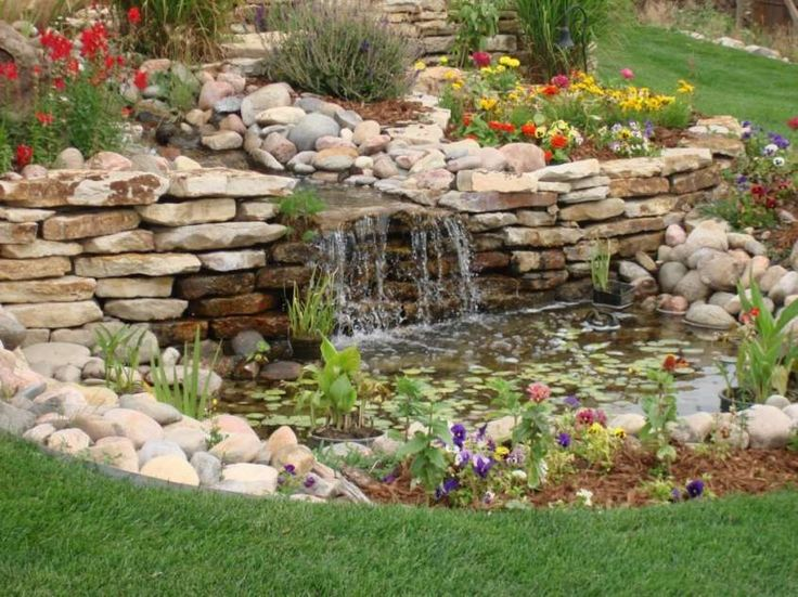 Oltre 25 fantastiche idee su cascata da giardino su - Cascata da giardino ...
