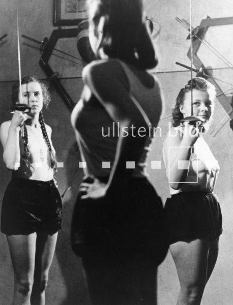 league of german girls   Bund Deutscher Mädel-League of German Girls