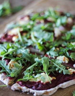 Lovebeets > recipes > saladsoups > beet-pesto-pizza-with-goat-cheese